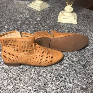 Tan booties good condition